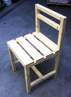 ③当日に椅子を製作してお持ち帰り頂けます(約3時間半)